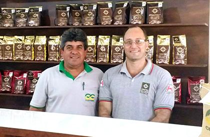 Álvaro Coli, 5° e 11° colocação em 2008; 5° e 6° colocação em 2012; 1°, 3°, 4°, 5° e 6° colocação em 2013; e 4° e 7° colocação em 2015.