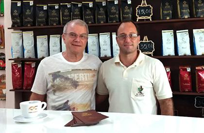 Roney Villela (CCCM) e Edmo Junqueira, proprietário da Fazenda Nossa Senhora da Aparecida e 3° colocado no Cup of Excellence.
